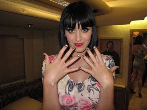 Katy Perry wearing Minx Nail Armour